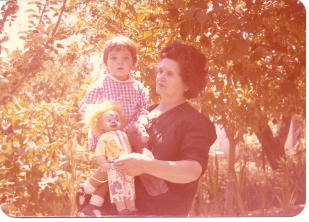La Yaya Eulalia con una servidora. Verano de 1976